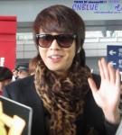 Smiling Yong! Leopard Print Scarf... hmmm.