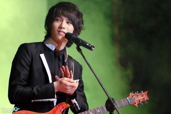[ARA�TIRMA YAZISI] CN Blue - Lee Jonghyun: Anlat�lmam�� Hikayeler ///19.10.2014