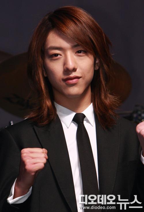 The Kpop Jungle 10 Male Idols That Rock Long Hair