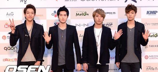 CN Blue - Gaon Listesindeki Ba�ar� Devam Ediyor ! /// 18.02.2013