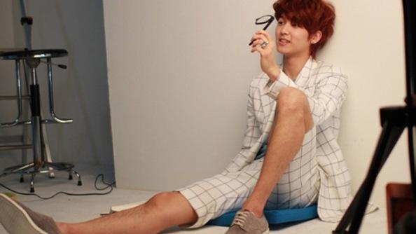 CN Blue - Kang Min Hyuk M�kemmel V�cudu ile �a��rtt�!!! /// 25.03.2013