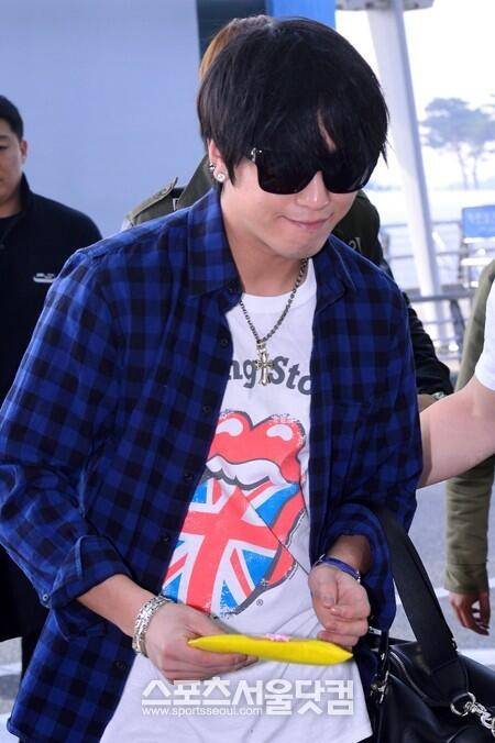 130509 CNBLUE @ Incheon Airport to Hong Kong (6)