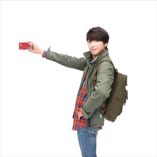 [News] Yonghwa, nouvel icone de la BC Card Akr20141202137000005_01_i_99_20141202153804