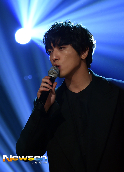 yonghwa at MBC (17)