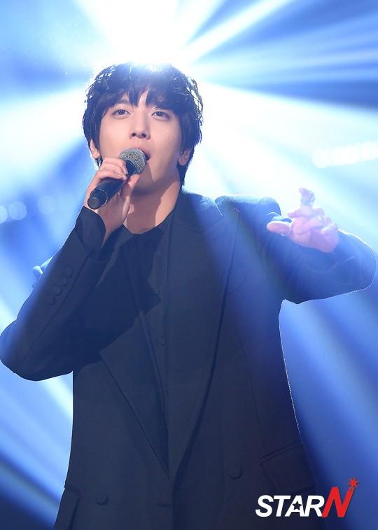 yonghwa at MBC (8)