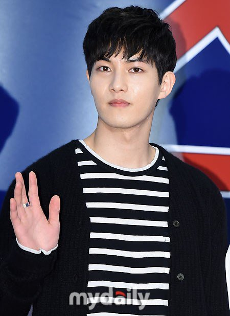 minhyuk x jonghyun (14)
