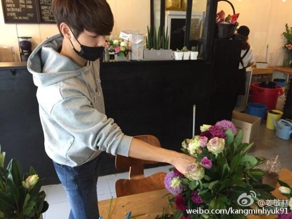 150512 minhyuk weibo update2